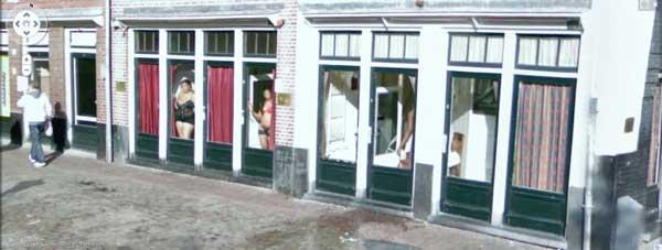 grandoman-prostitutes_on_google_street_view_09