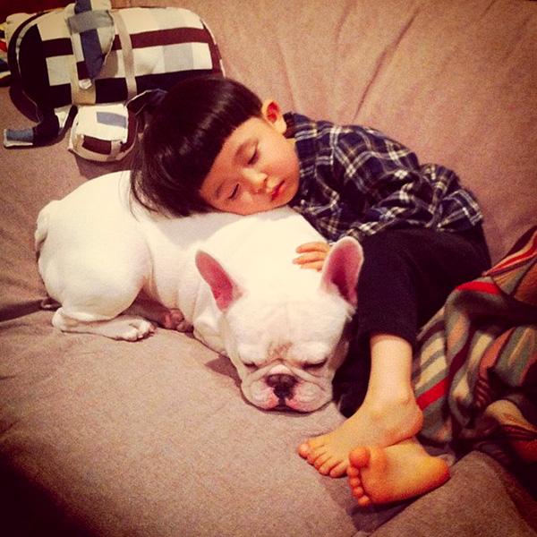 Tasuku и приятел (1)