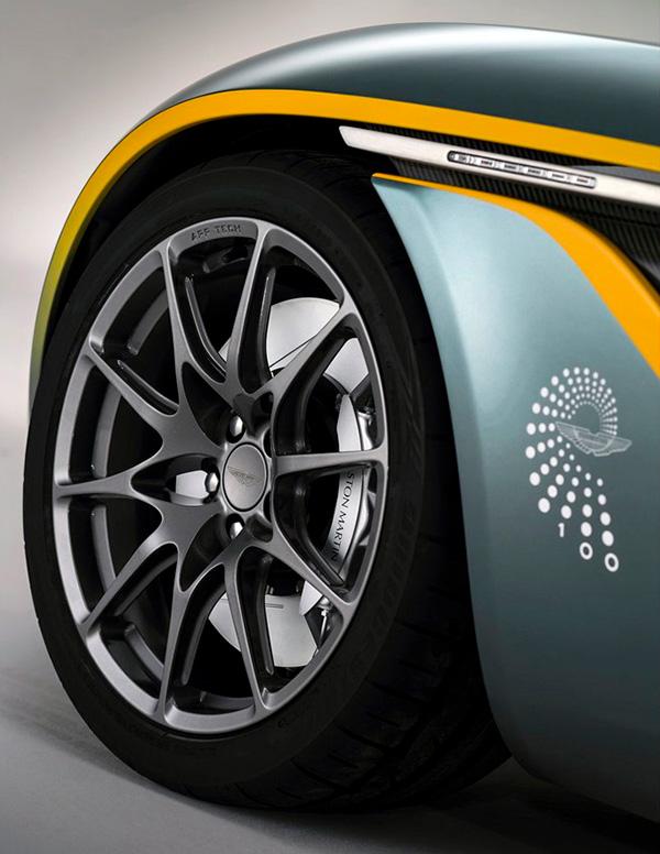 Aston Martin CC100 Speedster Concept (6)