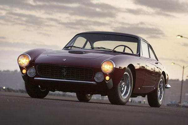 Ferrari Lusso (1)