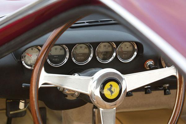 Ferrari Lusso (5)