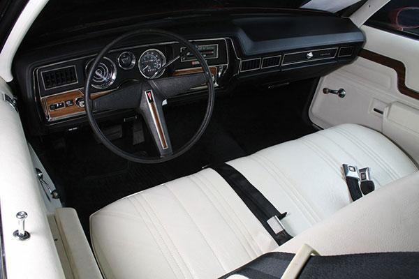 1975 Pontiac Le Mans (8)