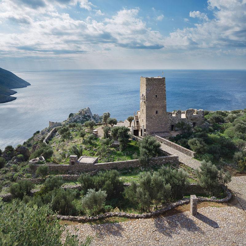 Гръцката кула (2)